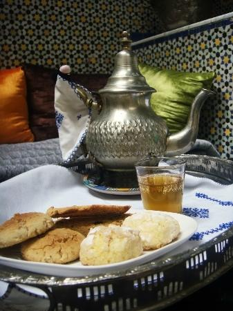 Riad Laayoun: Welcome tea