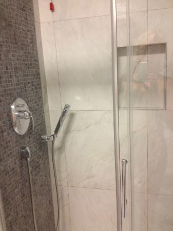 TownHouse Cavour : shower was amazing!!!!!!!!!!