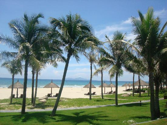 Vinpearl Da Nang Resort & Villas: The beautiful beach!