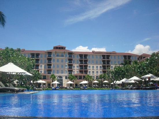Vinpearl Da Nang Resort & Villas: The hotel building