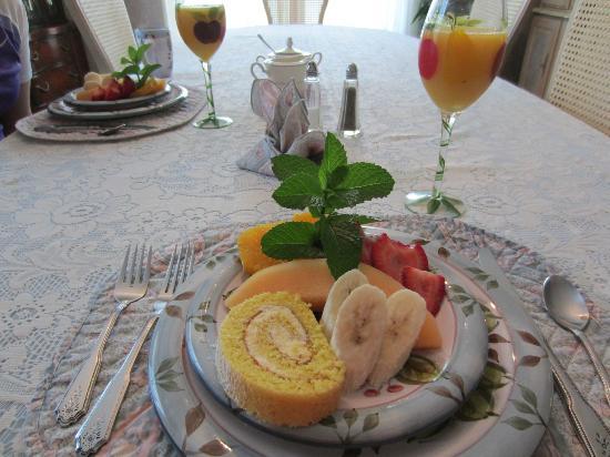 Lamplighter : Great Breakfast, 1st course