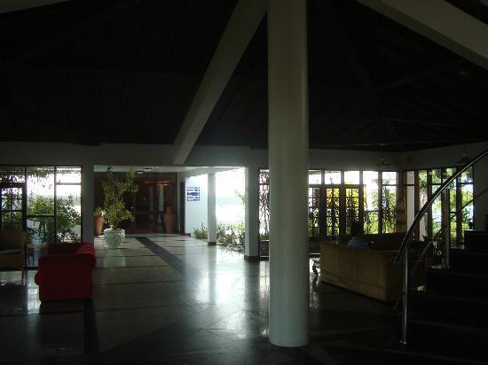 Tropical Oceano Praia: Ao Fundo entrada restaurante