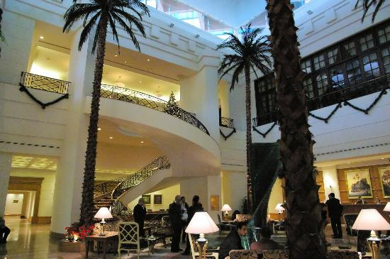 Conrad Cairo: The lobby - gorgeous!