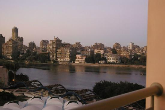 Conrad Cairo: View over the Nile in the morning