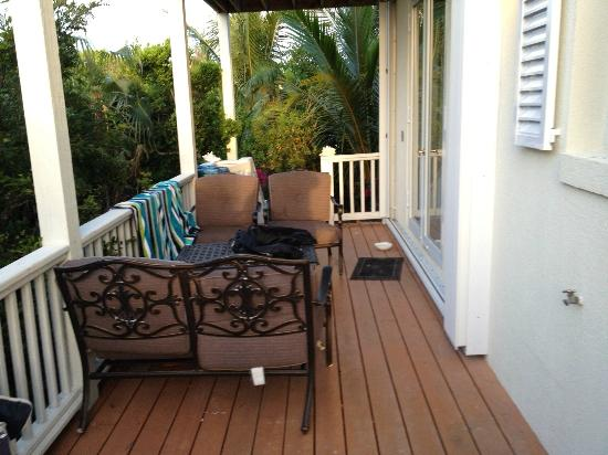 Villa Esencia: big porch, good furniture