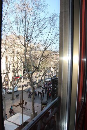 Hostal Benidorm: I could see Las Ramblas from my window.