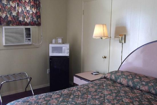 Cattlemens Inn: Micro-fridge in all rooms