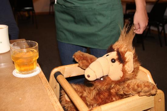 Minnies Montana Cafe: ALF gets free whiskey at Minnie's