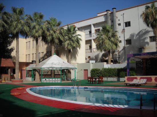 Delmon International Hotel: Pool area