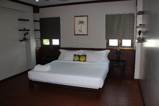 Phuket Cleanse: Deluxe King Room