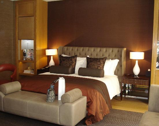 Corinthia Hotel London: Quarto aconchegante e bem decorado