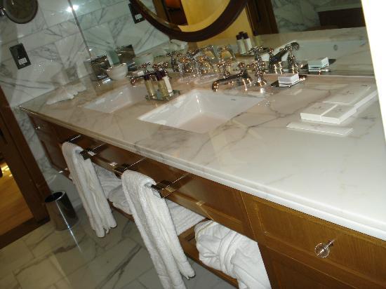 Corinthia Hotel London: Limpeza e muito espaço