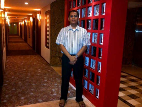 Ibis Bali Kuta: clean corridor