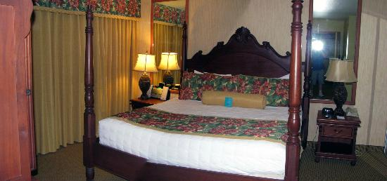 Kauai Coast Resort at the Beachboy: bedroom