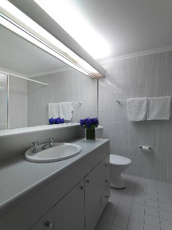 Medina Serviced Apartments North Ryde: Second Bathroom