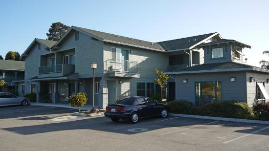 Morro Shores Inn & Suites: Hotel front