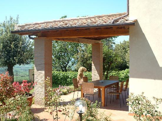 Il Casale Del Madonnino: La veranda apt. Quercia