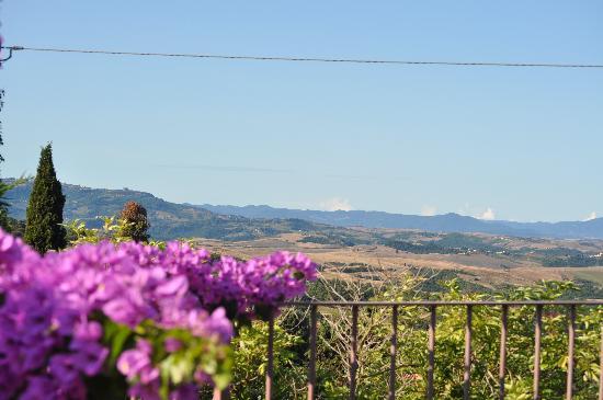Il Casale Del Madonnino: Vista panoramica su Volterra