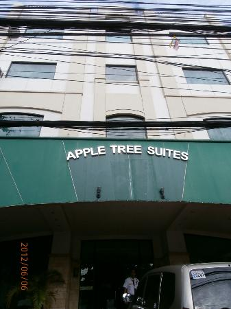 Apple Tree Suites Cebu: front facing J Llorente St