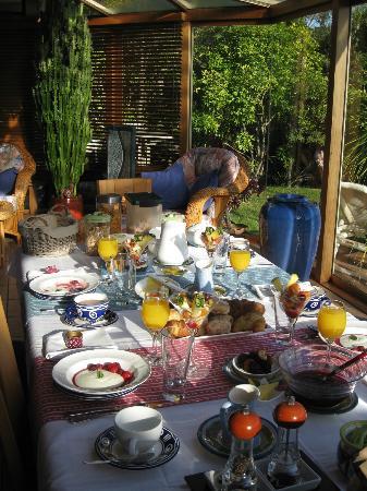 Chalet Romantica: The amazing breakfast spread