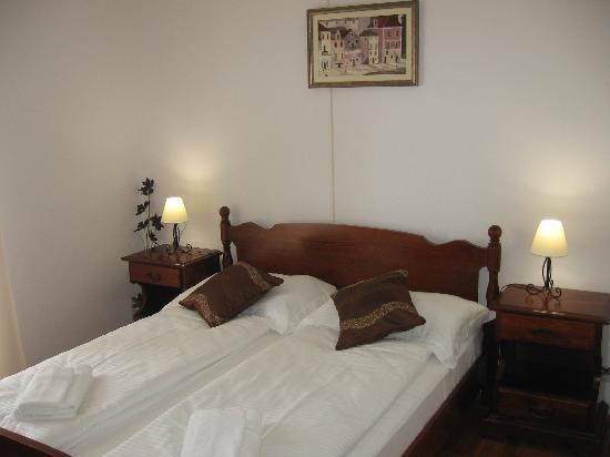 Violeta Hvar: Bedroom