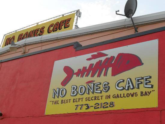 No Bones Cafe : Look for the big fish bone
