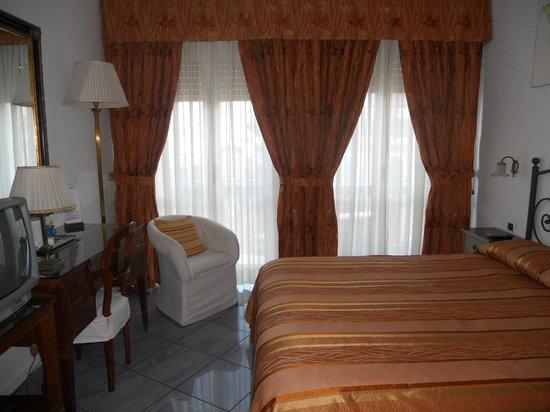 Fiorentini Residence: Camera da letto