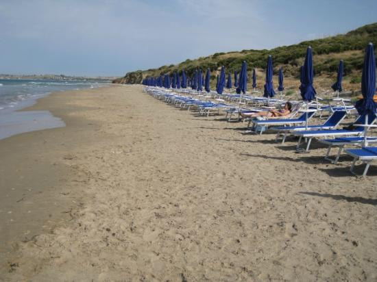 Menfi Beach Resort: Spiaggia