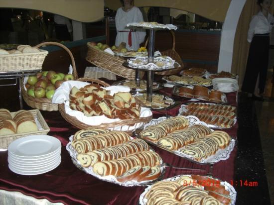 Hotel Malin : Essen war hervorragend Auch die Nachspeisen waren lecker