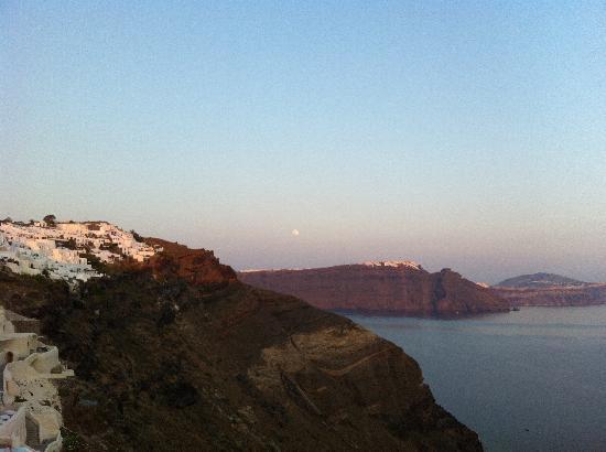 160 Thea Hotel : View to the Aegean Sea & Volcano