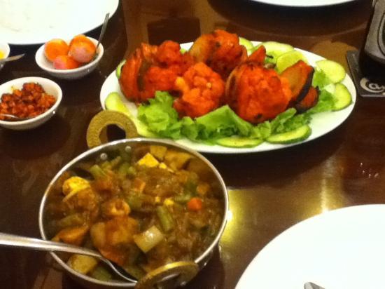 Gobi Tandoori, Vegetable Dopiaza - Picture of Baba's Kitchen, Ho Chi ...