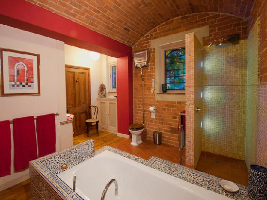 The Old Courthouse B&B : Bathroom