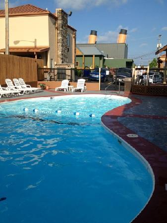 BEST WESTERN Center Pointe Inn: 6/9/2012