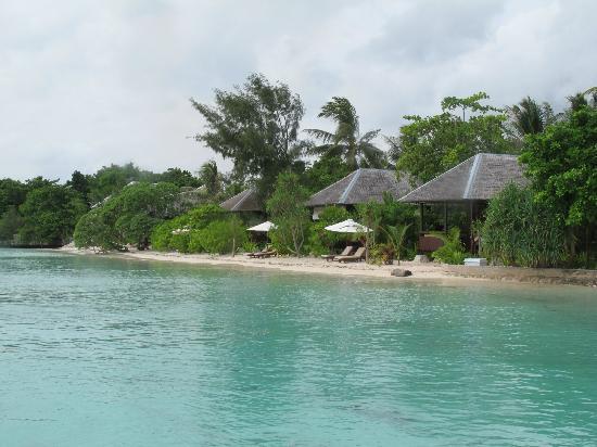 Wakatobi Dive Resort: Beach Bungalows.