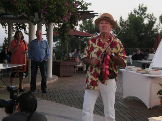 Club Med Bodrum Palmiye: petit clin doeil a laa guitoune
