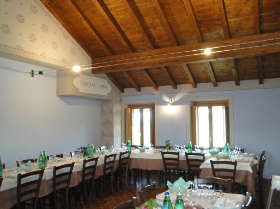Morimondo, Italy: sala piano superiore