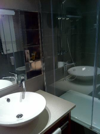 Alfonso Hotel: Baño