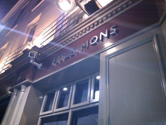 Fitzsimons酒吧