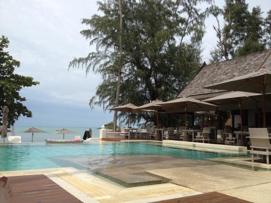 SALA Samui Resort And Spa: pool area