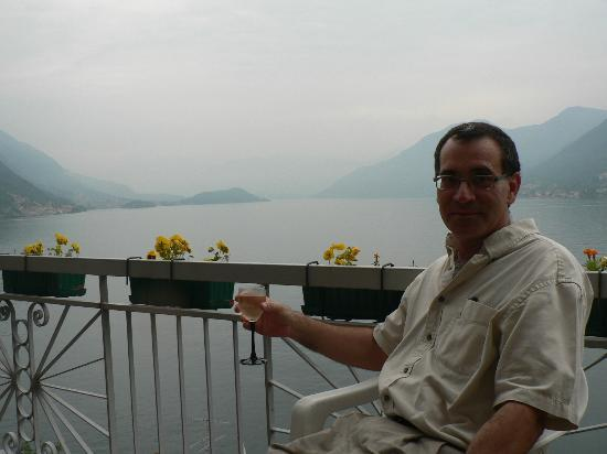 Paul Wright Bed & Breakfast : Lago di Como from the Paul Wright B&B