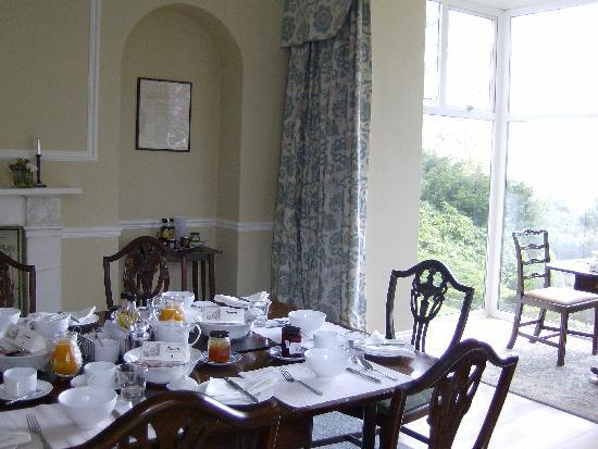 Bank House Bed and Breakfast: New dining room with fantastic views across Penrith to Lakeland fells.