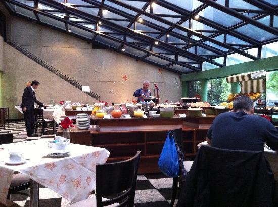 Estanplaza Funchal - Faria Lima: café