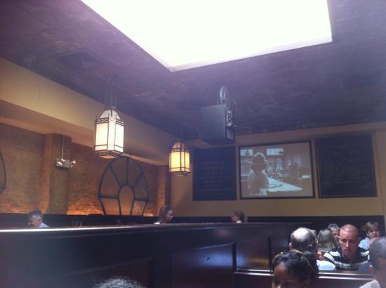 Tunnicliffs Tavern: Ted's Bulletin B&W movie.