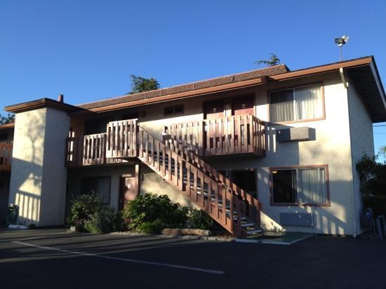 Pacific Inn Monterey: Well maintained Best Western Ramona