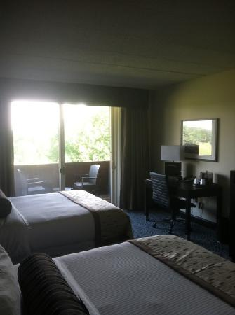 Chubb Hotel & Conference Center: photo of the room