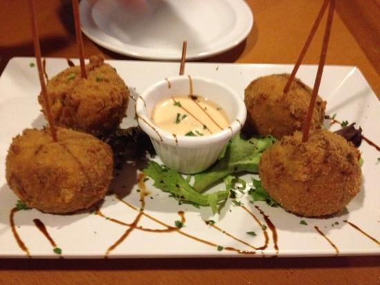 Red Flamboyan Restaurant: risotto balls