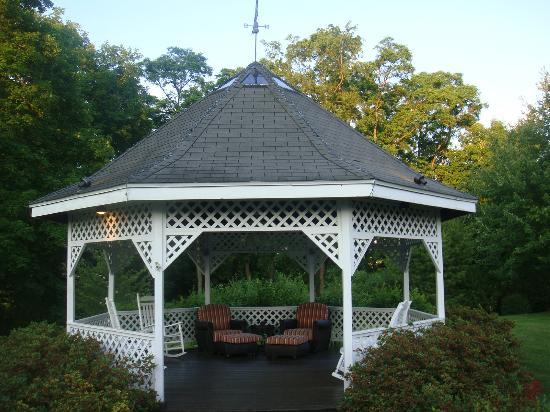 Tara - A Country Inn: The Gazebo