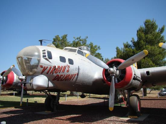 Castle Air Museum: B-17 Flying Fortress