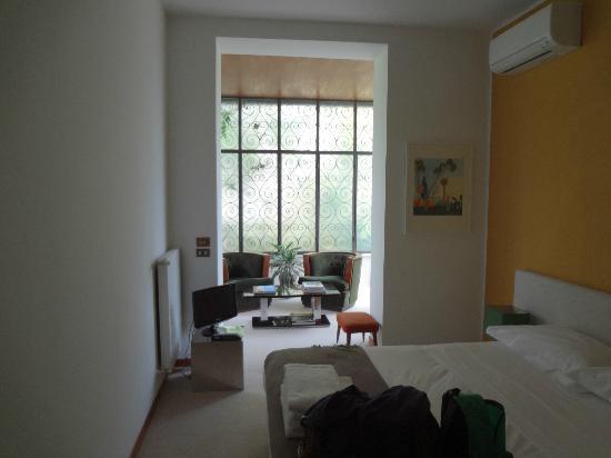 Casa di Mina: room 1