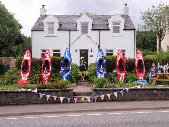 Dunfraoich House: Supporting team GB at the olympic torch relay